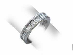 Diamanten Eternity Ring in Barguetteschliff
