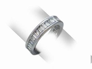 Diamanten Eternity Ring in Barguetteschliff