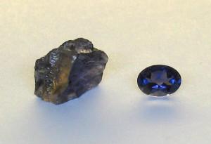 Cordierit, Iolith, Wassersaphir in Roh und Geschliffener Form